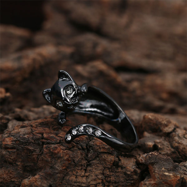 Kitty Wrap Ring With Cubic Zirconi
