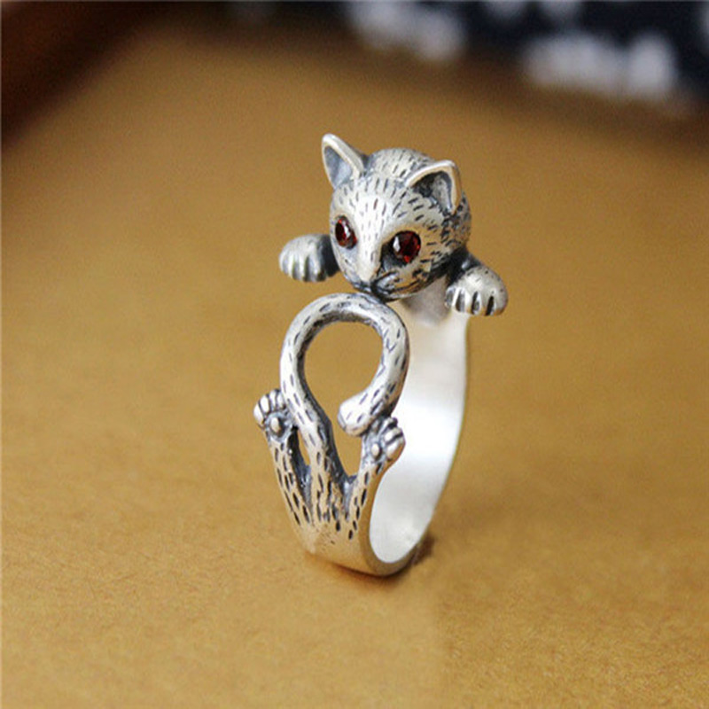 Red Eye Kitty Wrap Ring