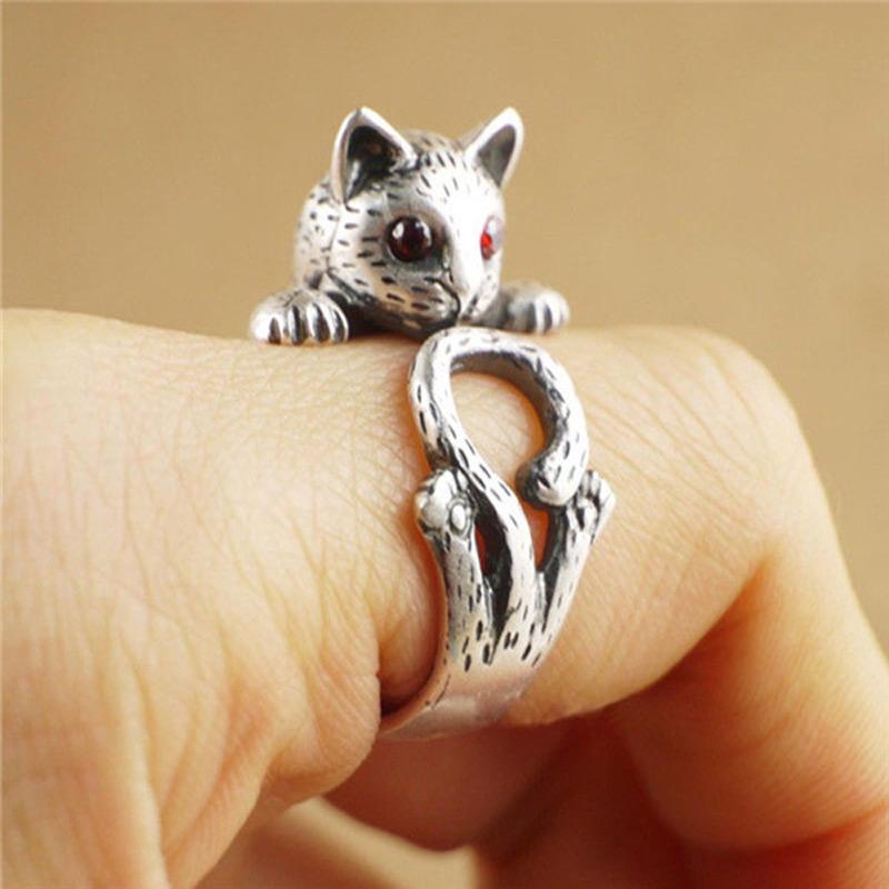 Red Eye Kitty Wrap Ring
